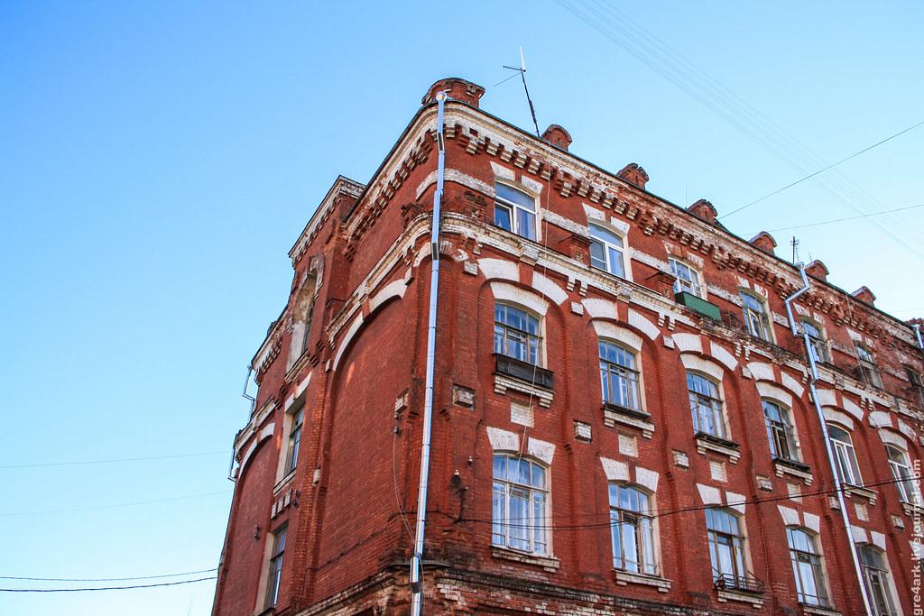 В Твери мужчина устроил поножовщину в общежитии на Пролетарке