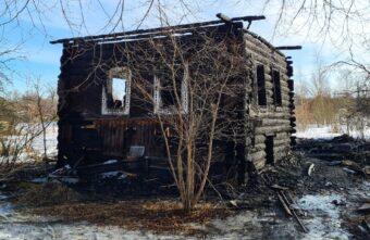 Подробности пожара в Тверской области: в доме нашли сгоревшие тела