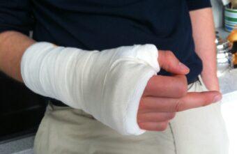 В Твери пошёл под суд агрессивный сержант, сломавший полицейскому руку