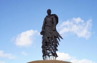Очередную годовщину освобождения Ржева впервые отметили у мемориала советскому солдату