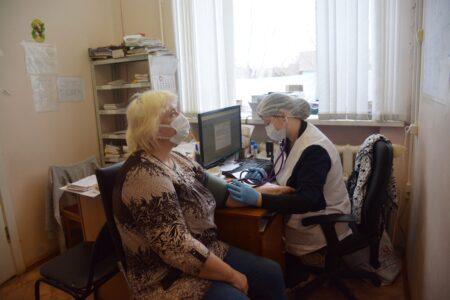 Ещё 5400 доз вакцины против коронавируса привезли в Тверскую область