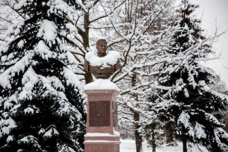 Первые весенние морозы и метели приходят в Тверскую область