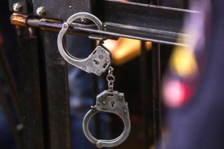 Жительница Тверской области, задушившая соседку леской, продолжает находится под стражей