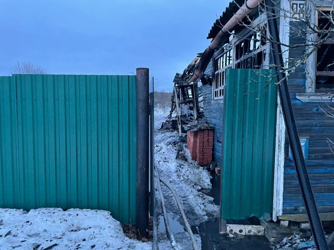 Тело мужчины нашли в сгоревшем доме в Тверской области