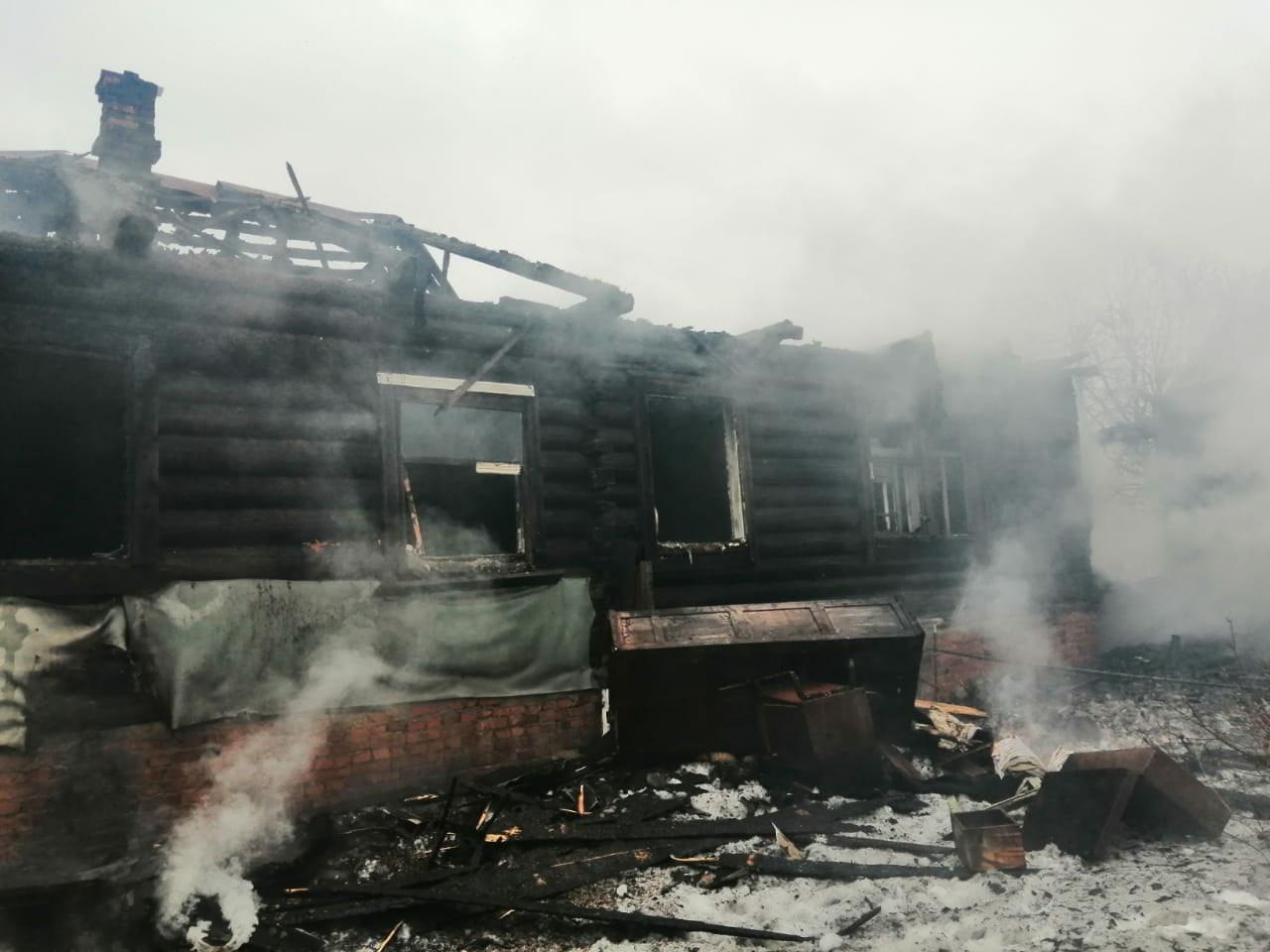 57-летний мужчина погиб, спасая дом от пожара в Тверской области