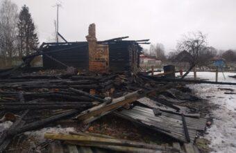 Женщина погибла на пожаре в Тверской области