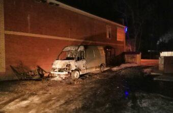 Ночью в Тверской области дотла сгорел фургон