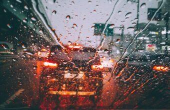 Тверских водителей предупреждают о резком потеплении и дожде