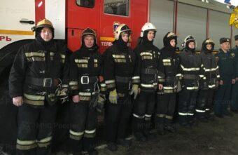 В Твери спасатели вывели мужчину из огня в двухэтажке