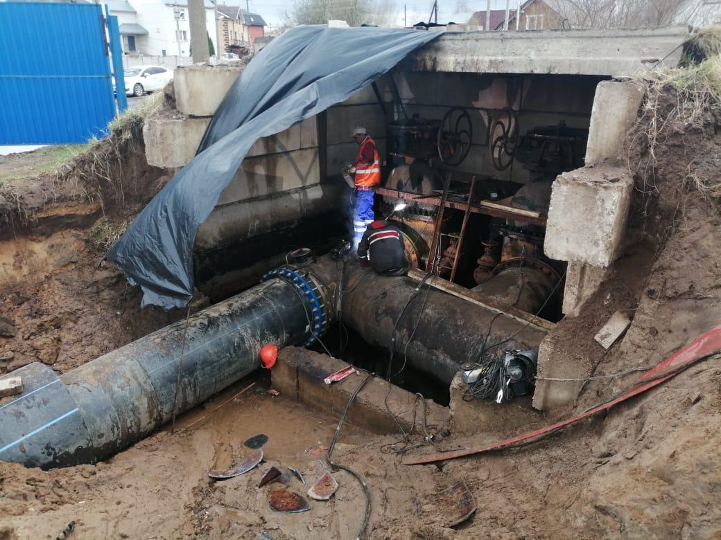 В Твери новый трубопровод начали присоединять к городской системе водоснабжения