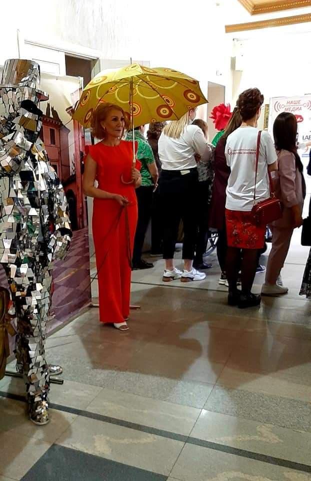 Теневые герои Марины Леонович: жительница Твери дарит инвалидам красоту и заботу
