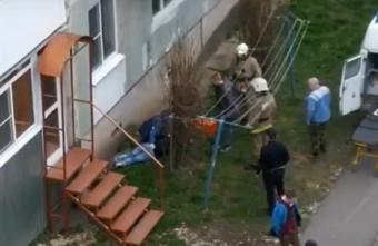 В городе Тверской области вторая девушка за сутки выпала из окна