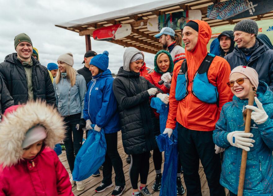 Мешки в руки и вперёд: в Твери прошёл плоггинг-забег