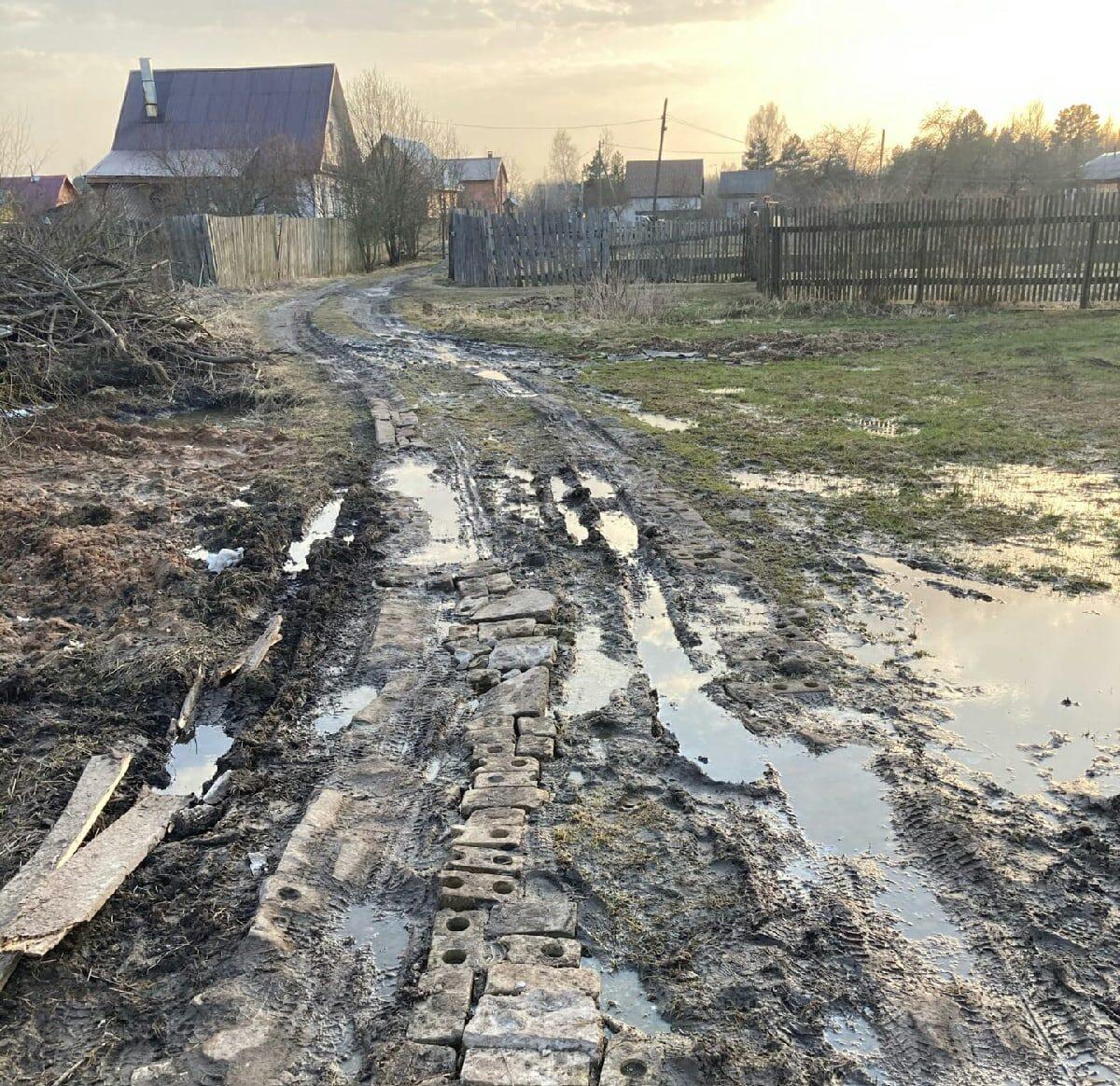 Дорогу под Тверью, где застряла скорая помощь, обещали отремонтировать