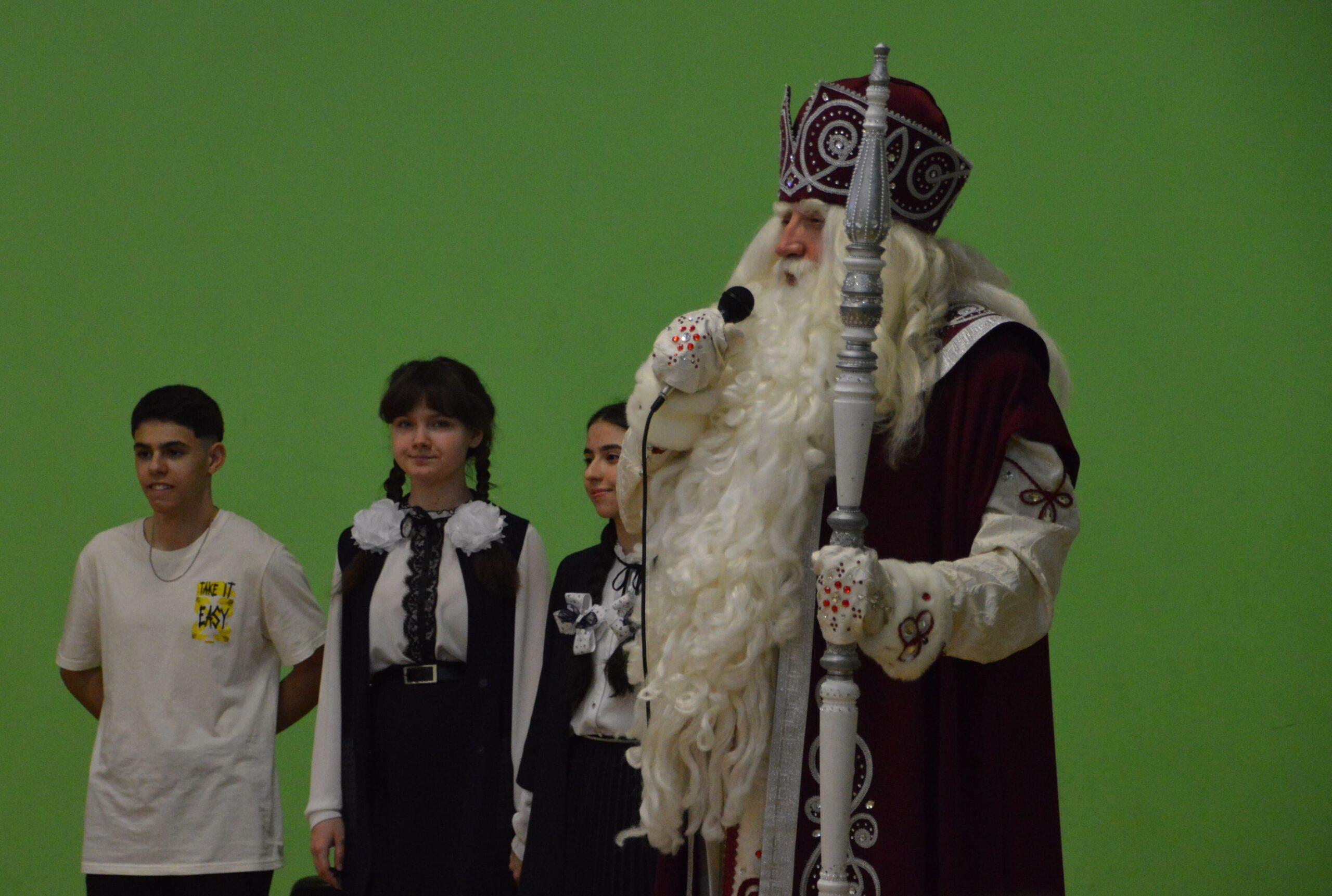 В разгар весны в Тверь неожиданно приехал главный Дед Мороз