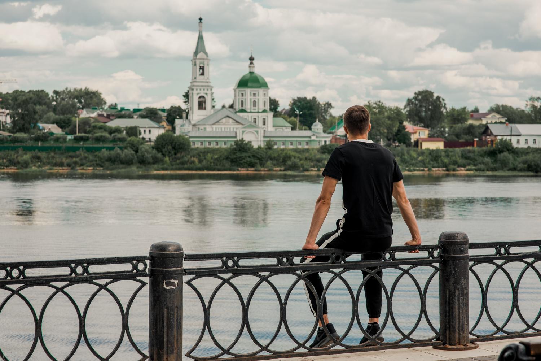 Очарованный странник Македонский открывает молодежи тверской край