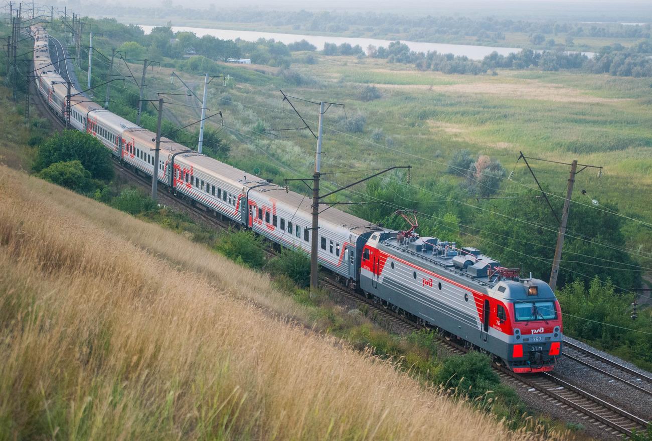 Проезд на поезде тверским участникам войны сделали бесплатным