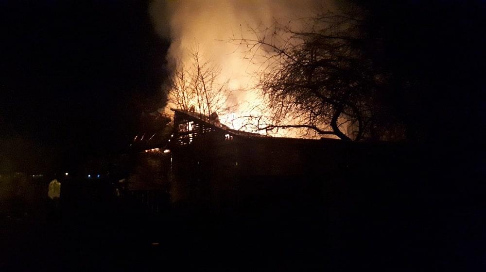 Две семьи остались без крова из-за пожара в Твери