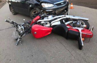Мотоциклист из Тверской области получил травму живота в ДТП с иномаркой