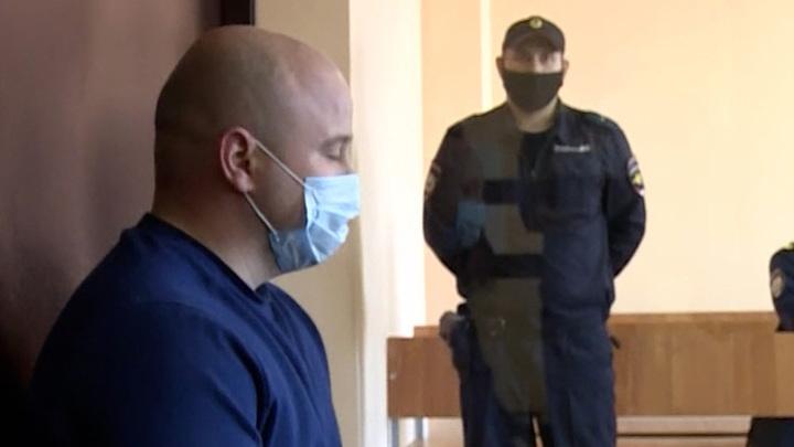 Арестованные в Твери полицейские могли крышевать банду вымогателей и угонщиков