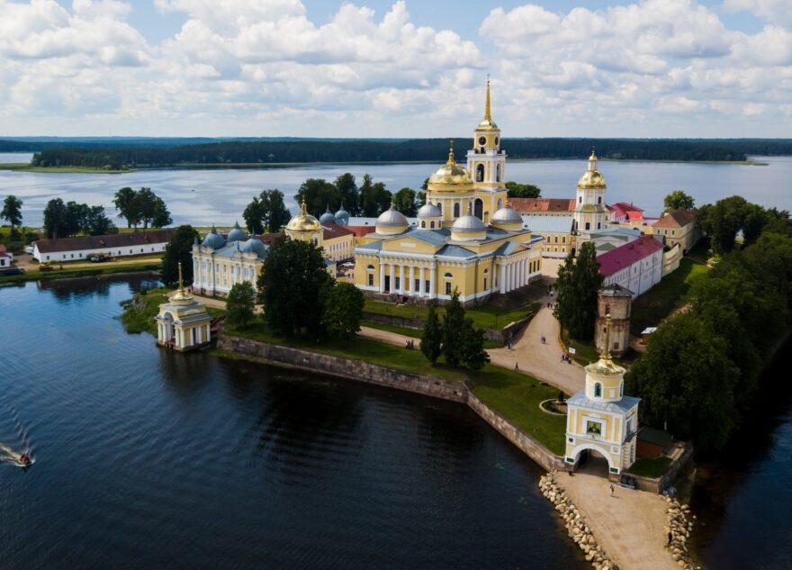 Нового наместника Нило-Столобенской пустыни назначил Патриарх в Тверской области