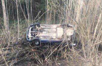 Пьяный водитель загнал машину в кювет под Тверью