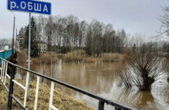 Город в Тверской области постепенно уходит под воду