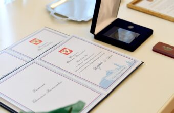 Губернатор Игорь Руденя наградил сотрудников скорой медицинской помощи Тверской области