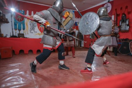 Тверские школьники бились на копьях в честь Александра Невского