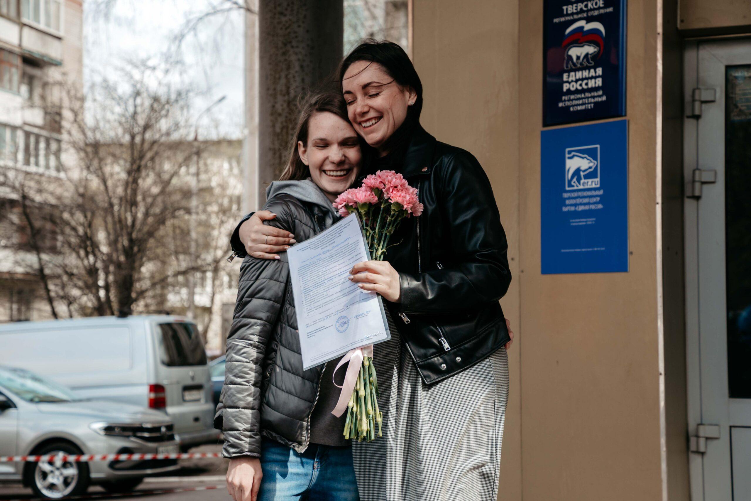 Волонтёры пришли поддержать Юлию Саранову перед праймериз на выборах в Госдуму