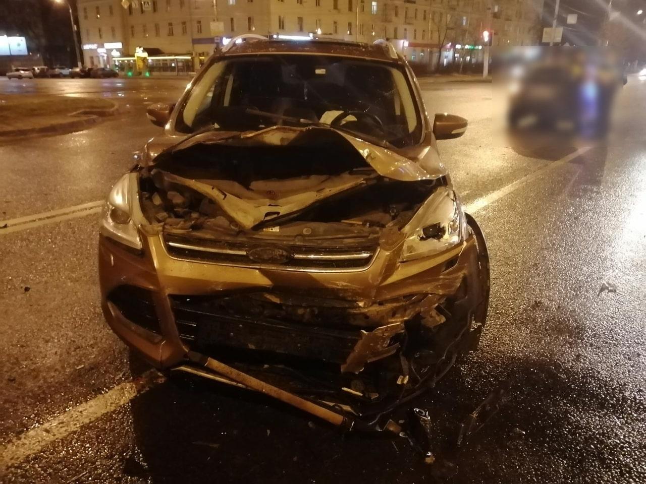 Массовое ДТП в Твери: 3 человека пострадали в столкновении 5 машин