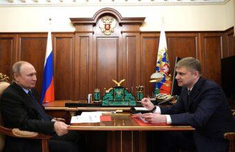 Президент Владимир Путин отметил успехи Тверского вагоностроительного завода
