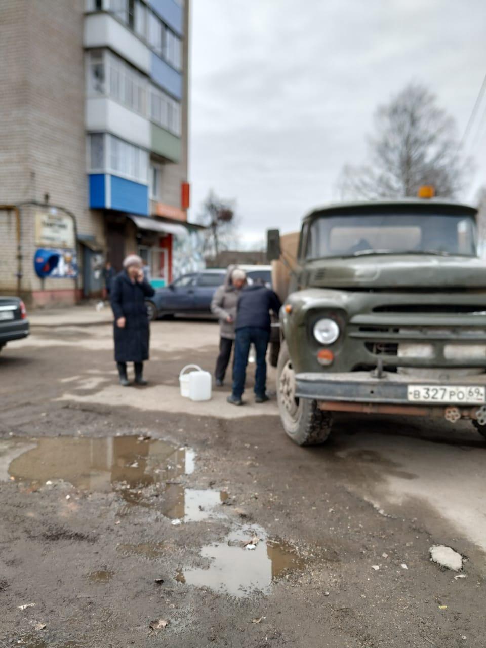 Из-за паводка жителям Тверской области ограничили подачу питьевой воды