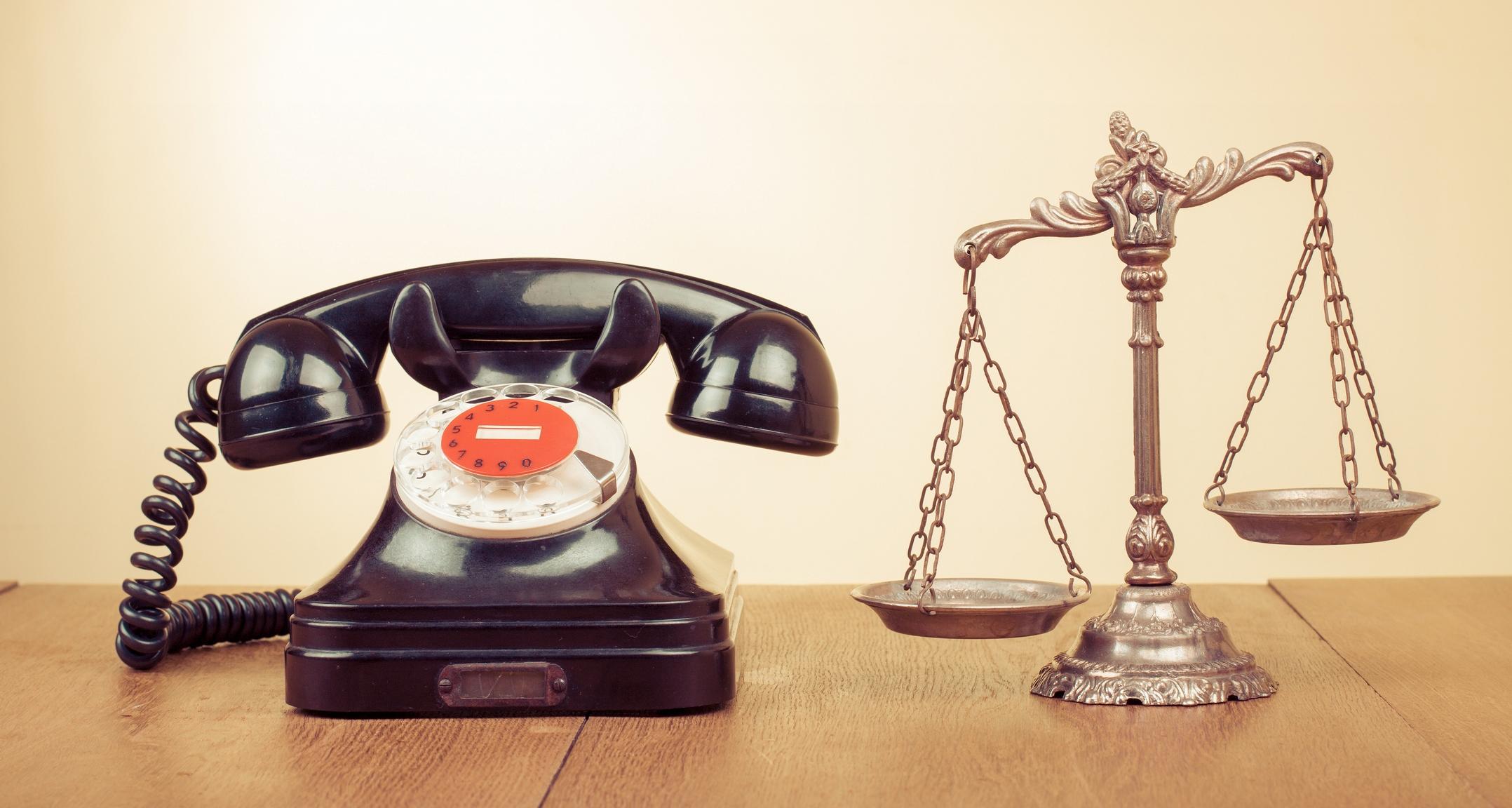 Участвовать в заседаниях тверских судов разрешат по телефону