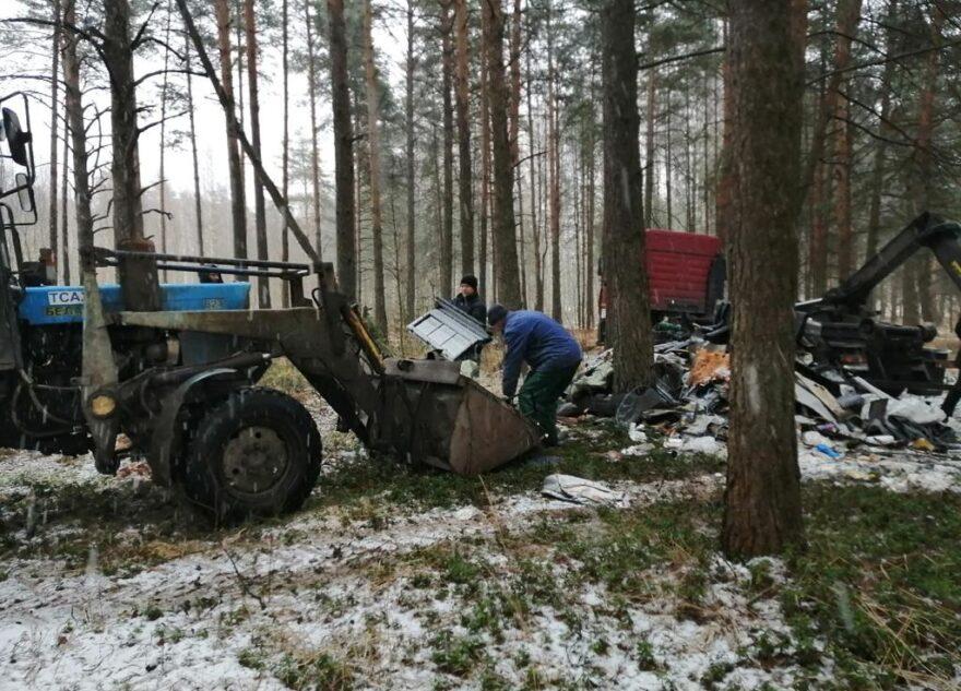 В Твери убрали мусорную свалку в Комсомольской роще