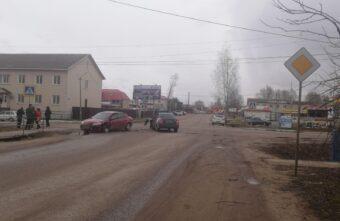 В Тверской области 20-летний водитель не уступил дорогу и устроил ДТП