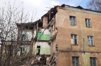 Губернатору доложили, о ликвидации последствий обрушения стены в Ржеве