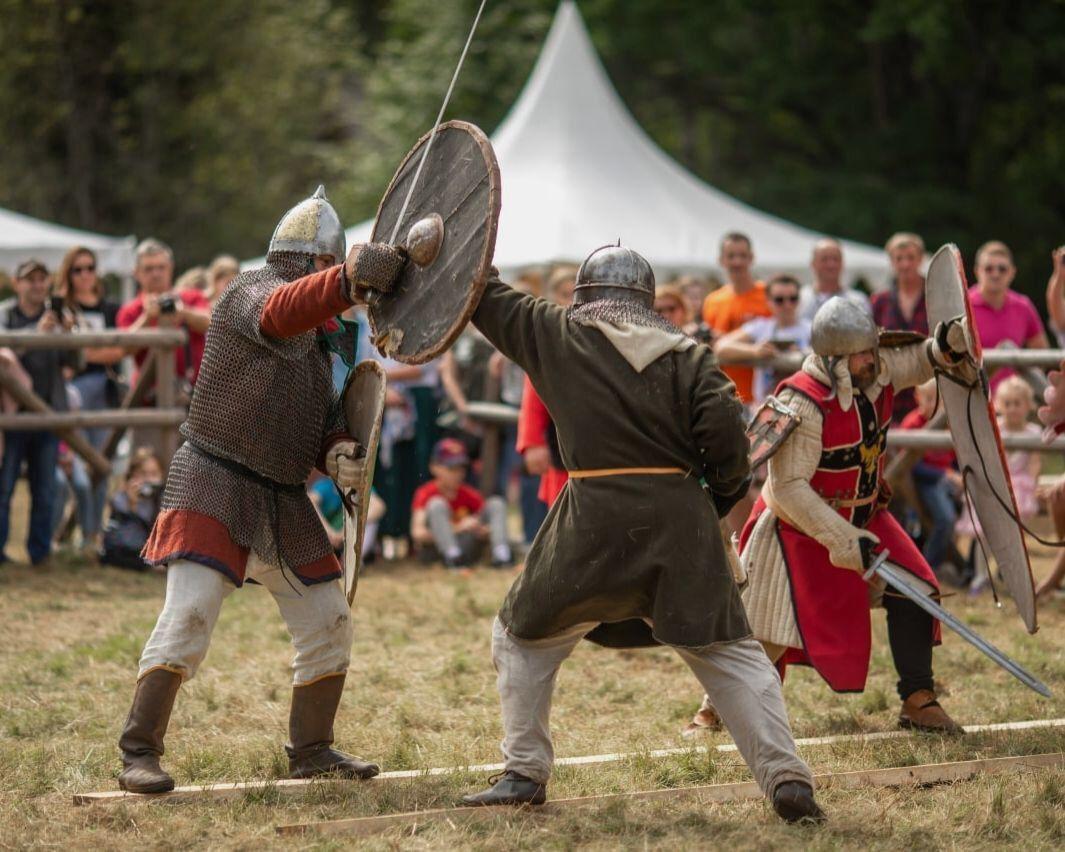 Больше ста средневековых воинов будут сражаться в Тверской области
