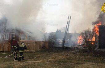 Пожарные спасли от огня 10 деревень и сёл в Тверской области