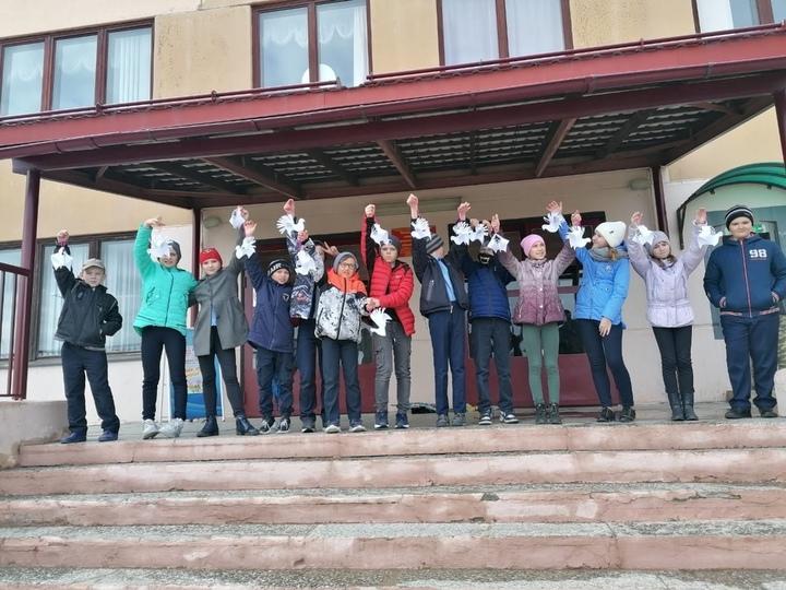 В Тверской области взрослые и дети вспомнили павших защитников Родины
