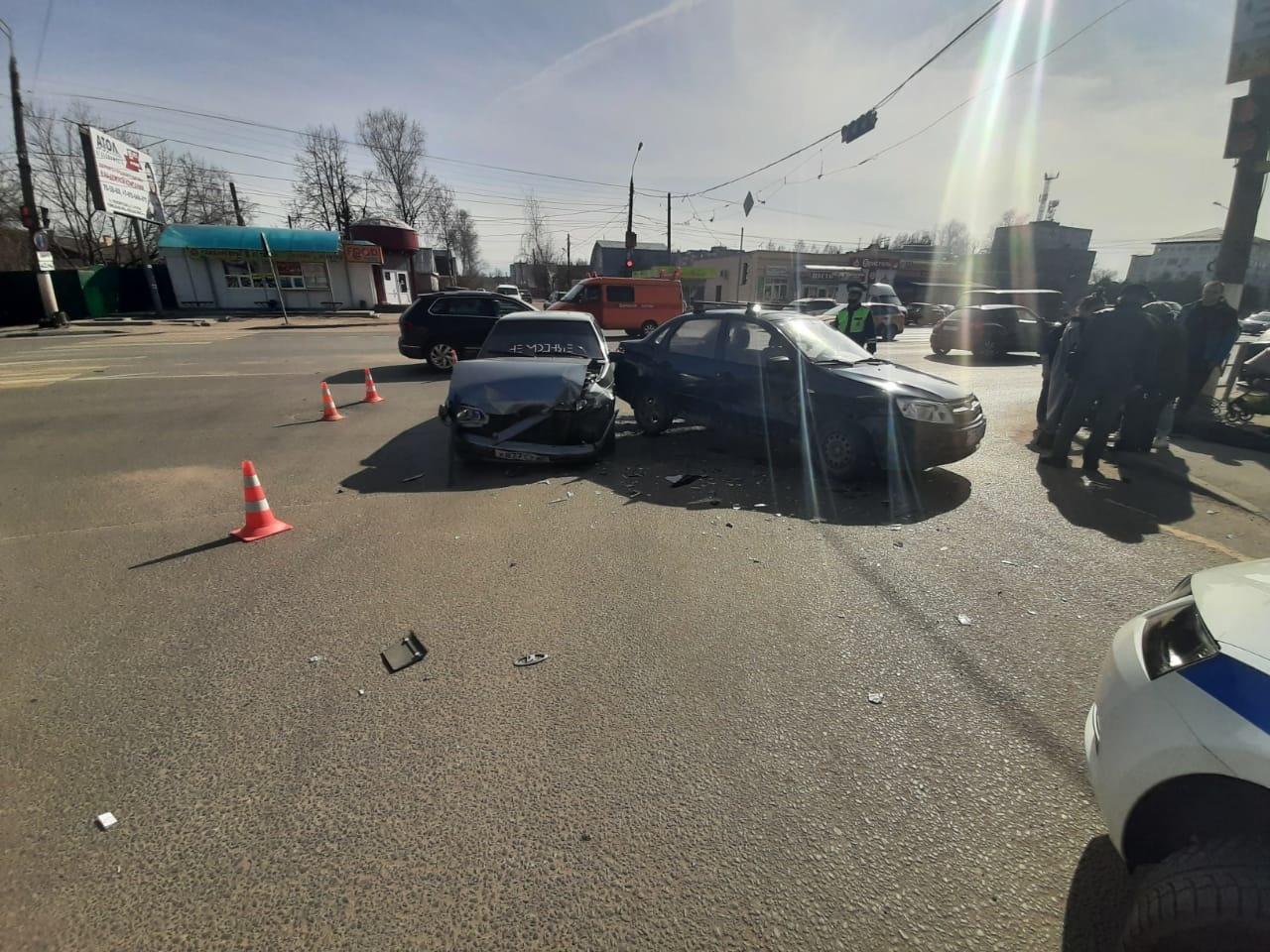 81-летний водитель не поделил тверскую дорогу с 18-летним парнем