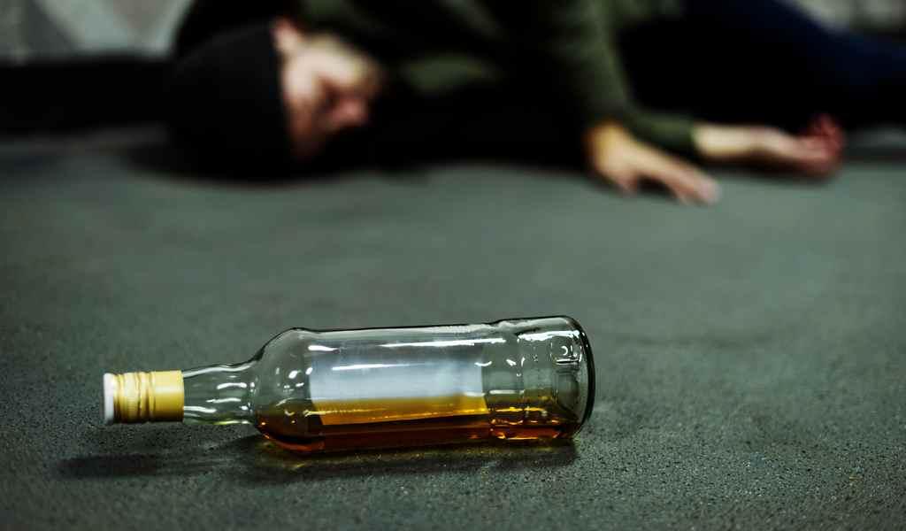 За 3 месяца 64 жителя Тверской области умерли от отравления алкоголем