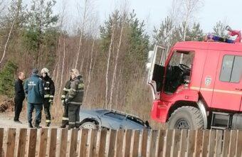 Водитель утонул вместе с машиной в канаве под Тверью
