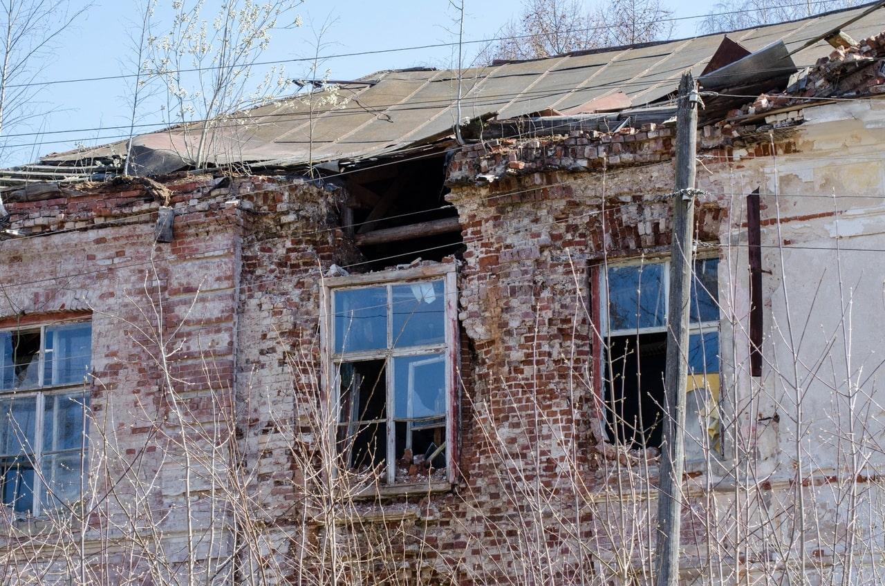 В Тверской области может обрушиться стена Путевого дворца