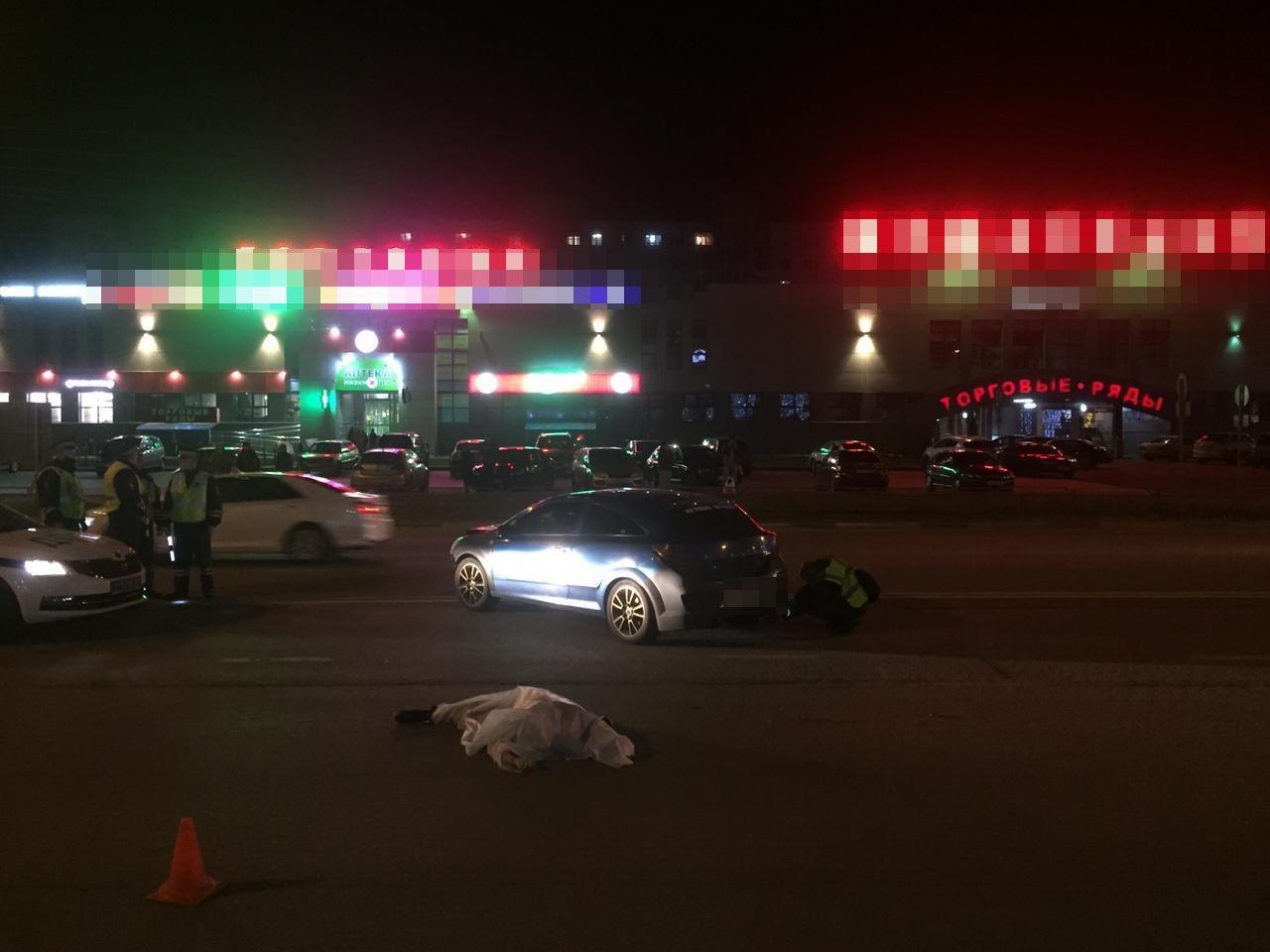 Опубликовано видео смертельной аварии в Твери, в которой погибла хозяйка таксы