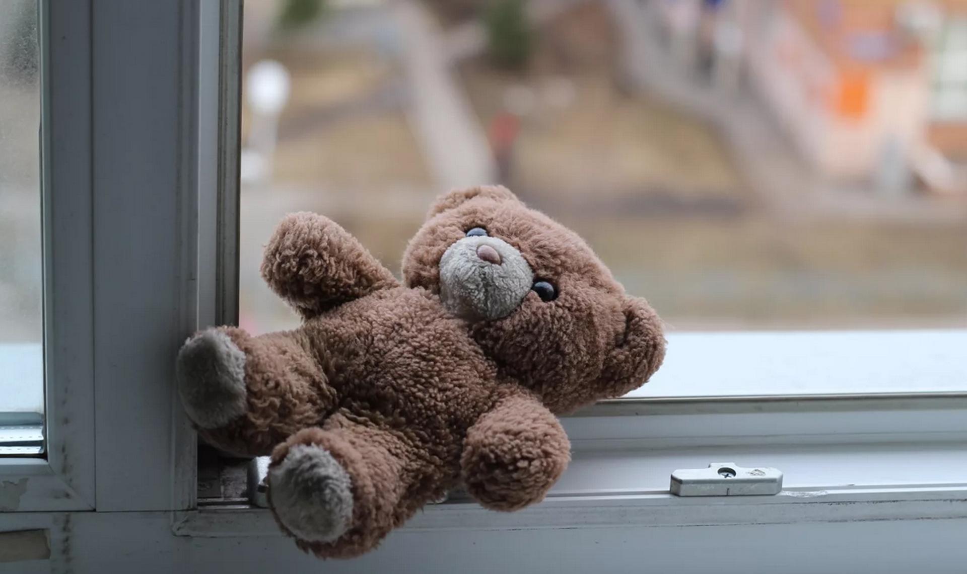 Маленькая девочка выпала из окна в Твери