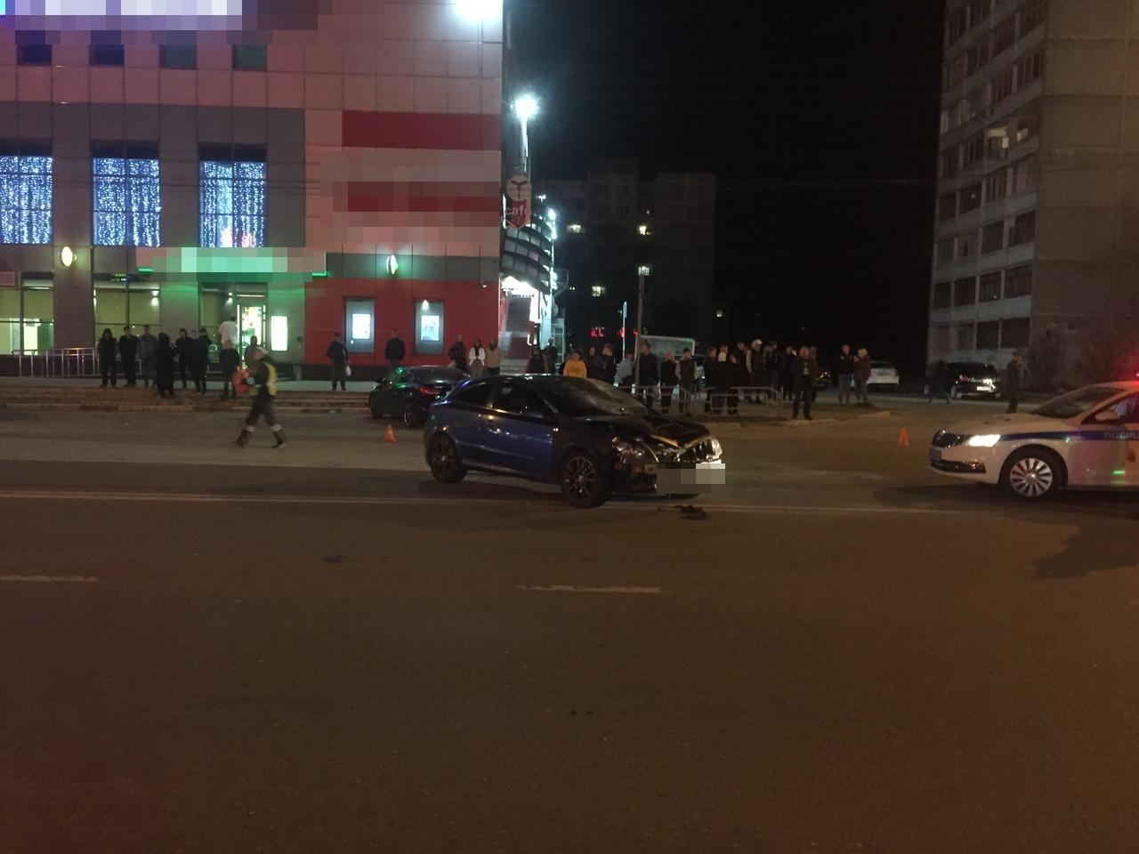 В Твери на улице Можайского молодой водитель насмерть сбил женщину