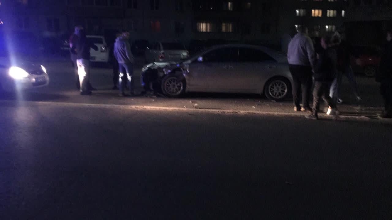 На Смоленском переулке в Твери произошло тройное ДТП