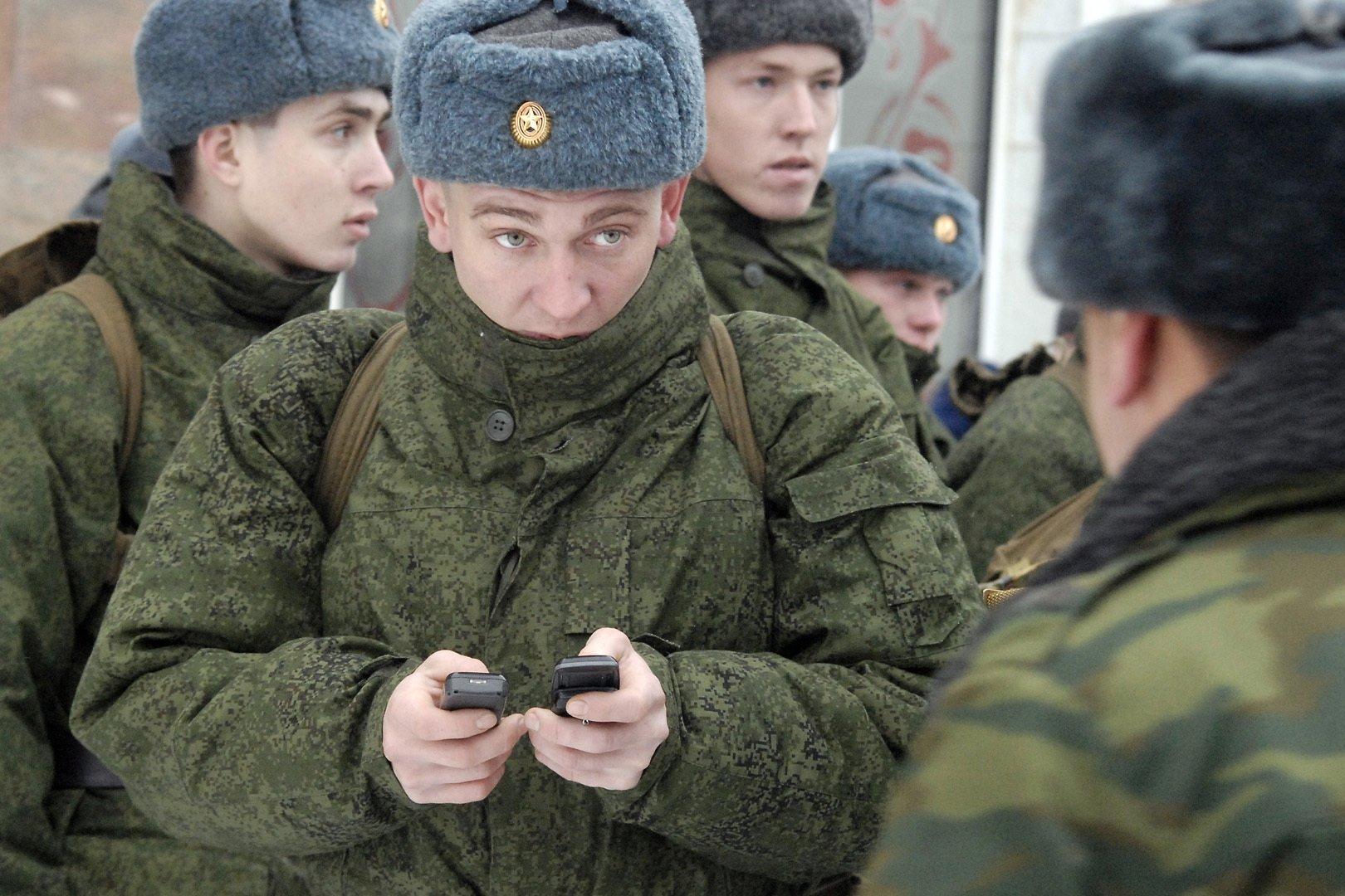 Тверские призывники останутся без смартфонов