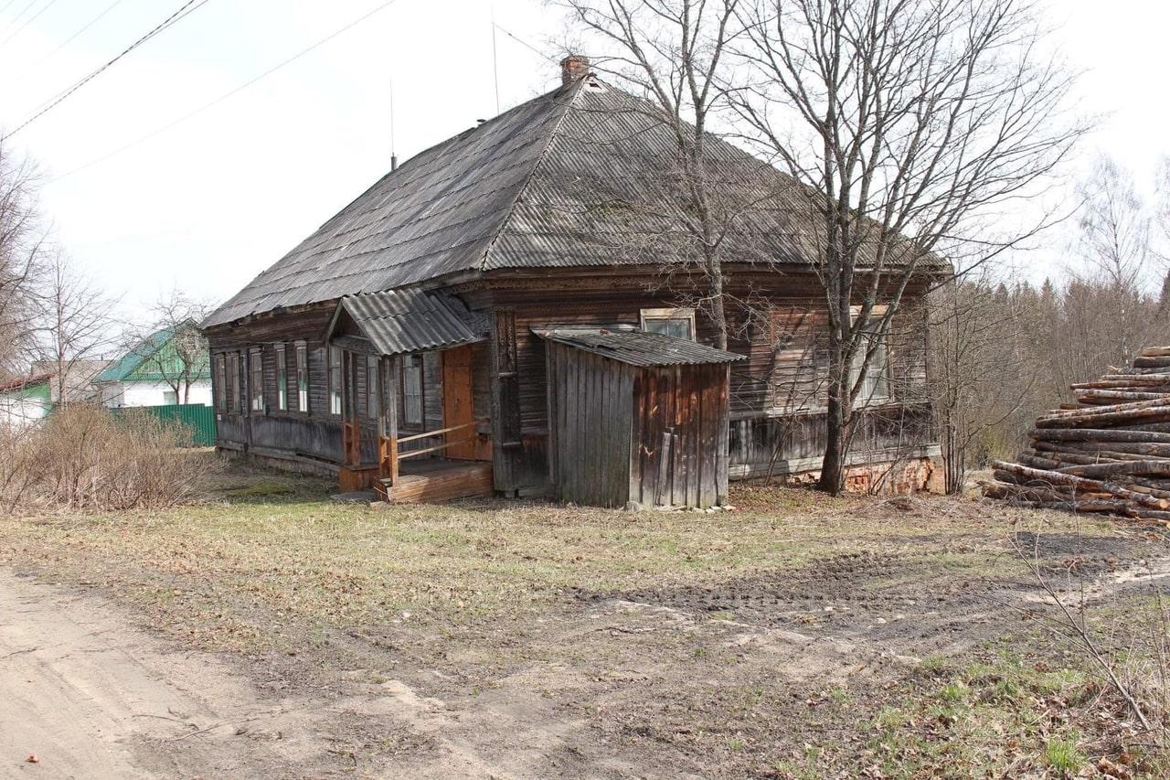 В Оленинском муниципалитете сохранился дом, в котором жили священники и сироты